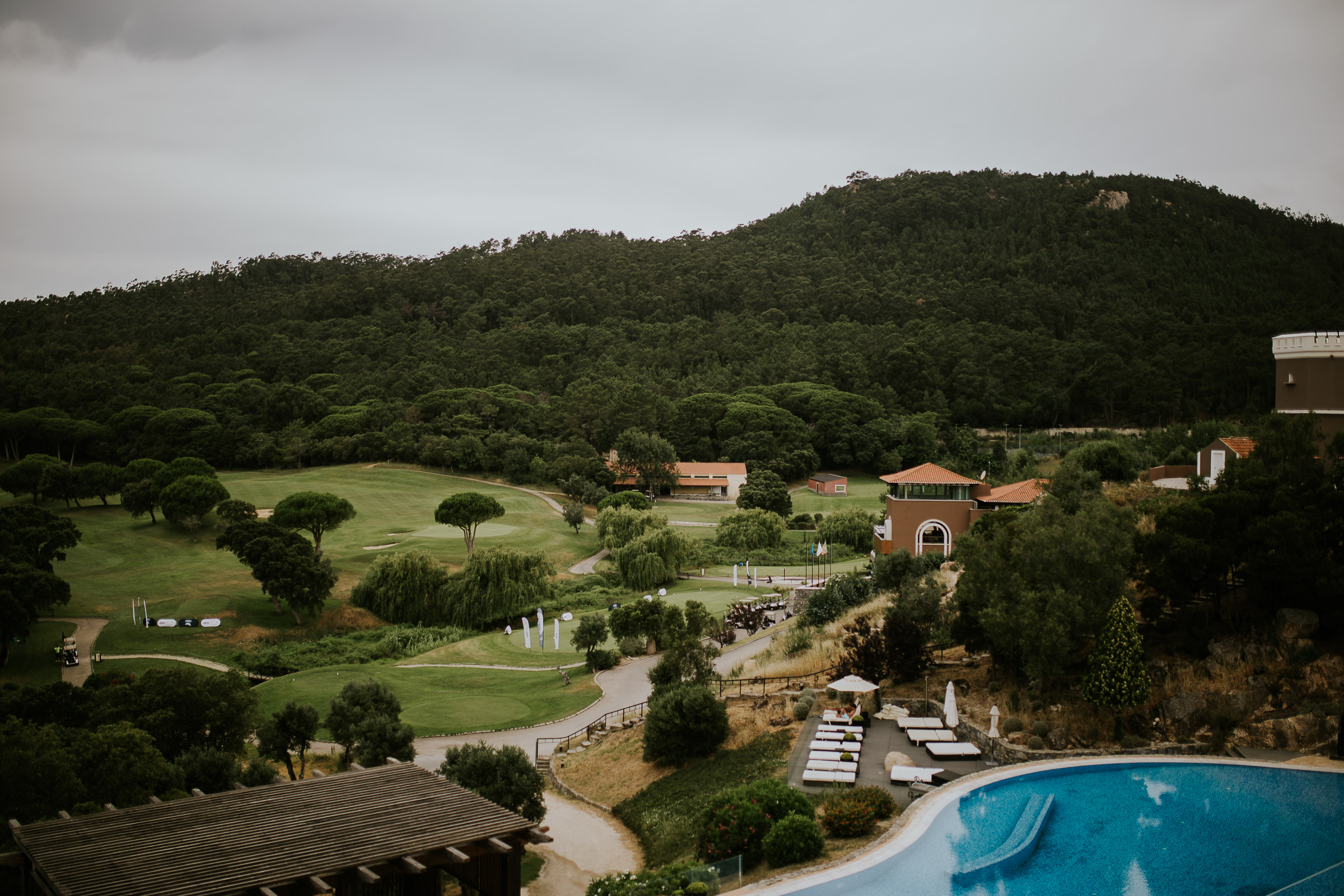 Landscape of a golf resort in Portugal surrounded by a forest